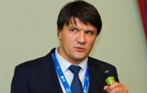 Директор департамента ИТ-сервисов в ИТ-службе «Роснефти»,бывший управляющий директор блока ИТ Сбербанка и директор центра развития инфраструктуры дочерней компании «Сбербанк-Технологии»