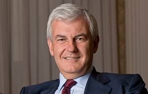 Независимый директор в составе наблюдательного совета Сбербанк, Бывший генеральный директор UniCredit