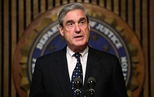 Спецпрокурор США по России. Руководитель Федерального бюро расследований США с 4 сентября 2001 года по 4 сентября 2013 года.