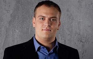 Российский предприниматель, основатель и генеральный директор розничной компании Сотмаркет. ООО «Сотмаркет» находится в стадии ликвидации. Включён в рейтинг крупнейших российских интернет-предпринимателей журнала «Коммерсант-Секрет Фирмы»