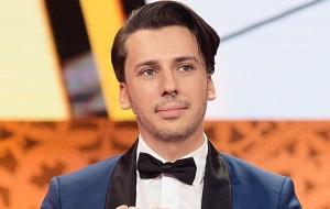 Российский артист эстрады, пародист, юморист, шоумен, стендап-комик, телеведущий, певец и актёр