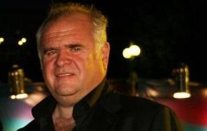 Продюсер, писатель и бизнесмен