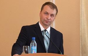 Российский политик, Руководитель Администрации города Кургана (с 2016), Специальное звание: полковник полиции