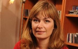 Первая леди Грузии с 2004 по 2013 годы. Член исполнительного комитета «Глобального фонда», президент благотворительного фонда SOCO