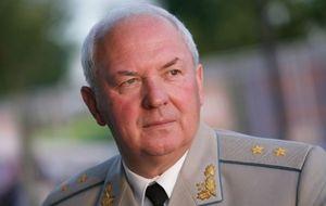 Украинский генерал-лейтенант (1995), дважды зампред СБУ (1997—98, 2006—2007). Один из создателей и председатель Союза офицеров Украины (СОУ)