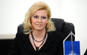 Хорватский государственный и политический деятель. Президент Хорватии с 19 февраля 2015 года. Помощник Генерального секретаря НАТО по вопросам публичной дипломатии (2011—2014), посол Хорватии в США (2008—2011), министр европейской интеграции Хорватии (2002—2005), министр иностранных дел и европейской интеграции Хорватии (2005—2008)
