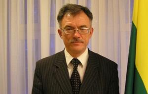 Литовский политик и дипломат; физик по образованию; министр иностранных дел Литвы с 12 июля 2006 года до 9 декабря 2008 года