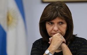Аргентинский политик. Возглавляет Союз для всех (UPT), который входит в состав Гражданской коалиции и служит федеральным министром безопасности