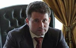 Дважды судимый юрист,«Решальщик», обвиняется в даче взятки в виде ремонта квартиры начальнику УВД Западного округа Москвы Владимиру Рожкову