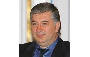 Депутат Государственной думы второго и четвёртого созывов,Бывший топ-менеджер «Лукойл»
