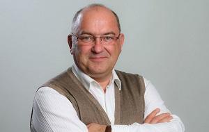 Бывший руководитель немецких гипермаркетов Globus, Коммерческий директор X5 Retail Group