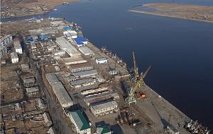 Российский морской порт на острове Сахалин, расположен в заливе Терпения Охотского моря, в городе Поронайске Сахалинской области
