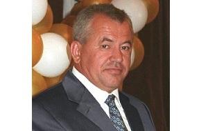 Российский бизнесмен и политический деятель, бывший депутат Законодательного собрания Приморского края (2002-2006 годы). С 2008 года проживает на постоянной основе в Испании. Фигурант уголовного дела об уклонении от налогов в Испании