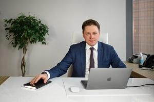 выпускник МГТУ им. Баумана, российский предприниматель, основатель и генеральный директор digital-агентства ONE TOUCH
